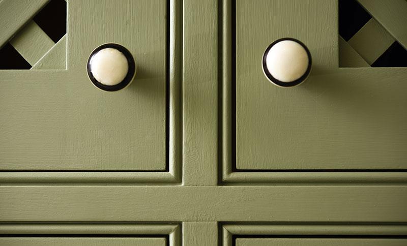 Close-Up-Door-Handles